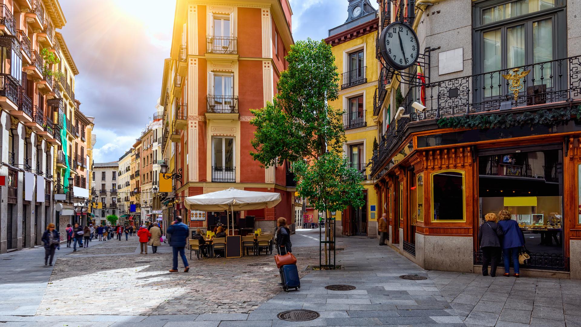выступил испанские города улицы фото холсте